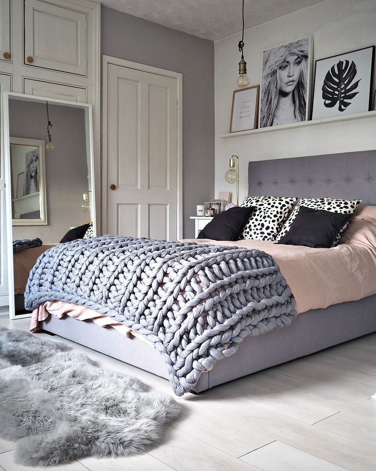 Bedroom home decor ideas and inspiration. Gray and pink girls room. Modern classic look.