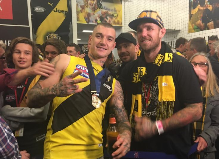 Grand Final 2017 Dane Swan with a Tiger scarf on