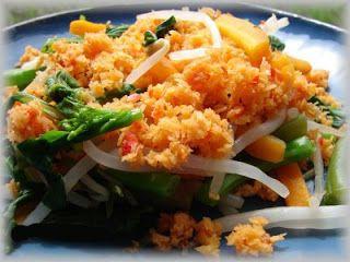 Resep Membuat Urap Sayuran masakan tradisional indonesai sunda - http://resepjuna.blogspot.com/2015/10/video-resep-membuat-urap-sayuran-segeer.html serta video