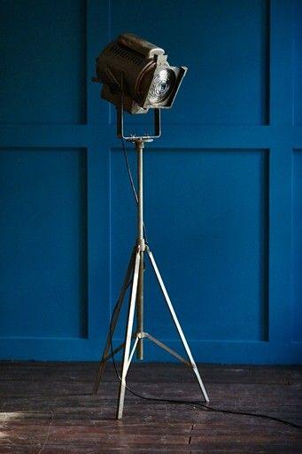 Театральный прожектор. Vintage lamp