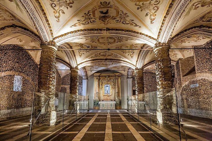 Capela dos Ossos, Évora, Portugal | © Alessandro Grussu