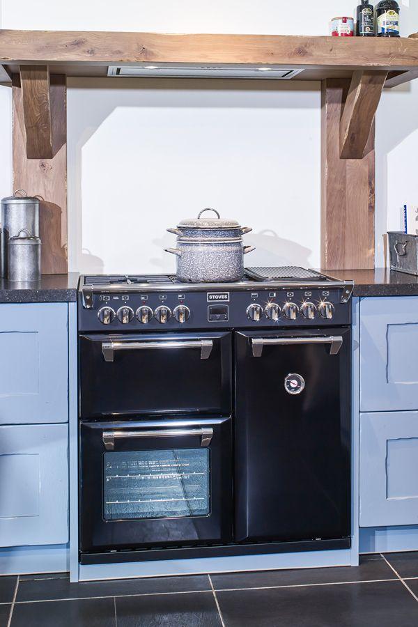 Betere Zwart fornuis in een blauwe landelijke keuken. #fornuis BD-49