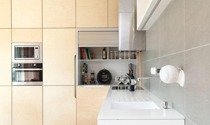 Minimalistický byt, Vinohradis   RULES Architekti