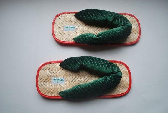 Japanese Style Shoes Adult Flip Flops Green Stripe