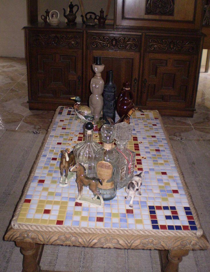 Mesa Reciclada, Cubierta Con Mosaico.