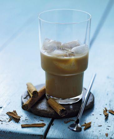 Iskaffe med kondenseret mælk - Drinks - Opskrifter - Mad og Bolig