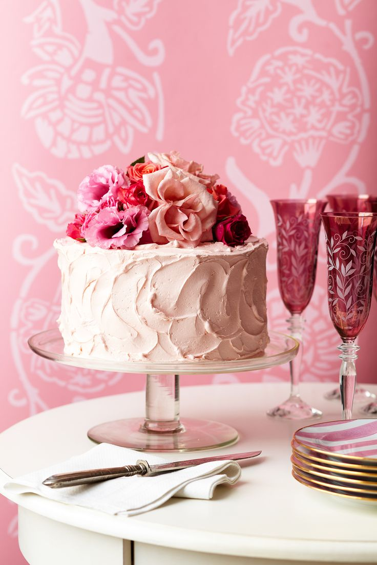you cannot beat PINK for cakes...