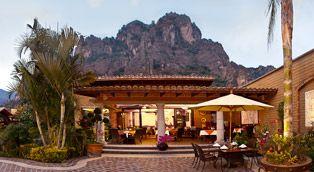 La Buena Vibra Retreat & Spa Hotel en Tepoztlán, El mejor SPA y Hotel en Tepoztlan, para quienes gustan de la paz, la tranquilidad, la buena comida y la vista insuperable de las montañas únicas del Tepozteco. Contamos con 21 Habitaciones, Restaurante Terraza y Bar, spa, 2 temazcales, dos salones multiusos hasta para 30 personas cada uno