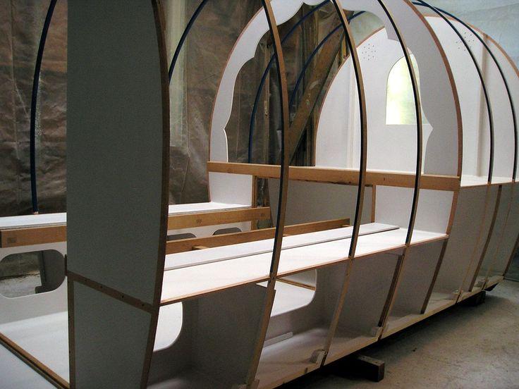 les 81 meilleures images du tableau roulotte gitane sur pinterest roulotte gitane gitan. Black Bedroom Furniture Sets. Home Design Ideas