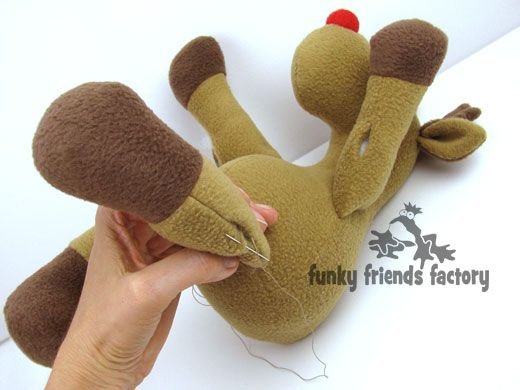 LOVE this pic!!!! Photo tutorial - How to sew Reggie Reindeer WITHOUT button joints!