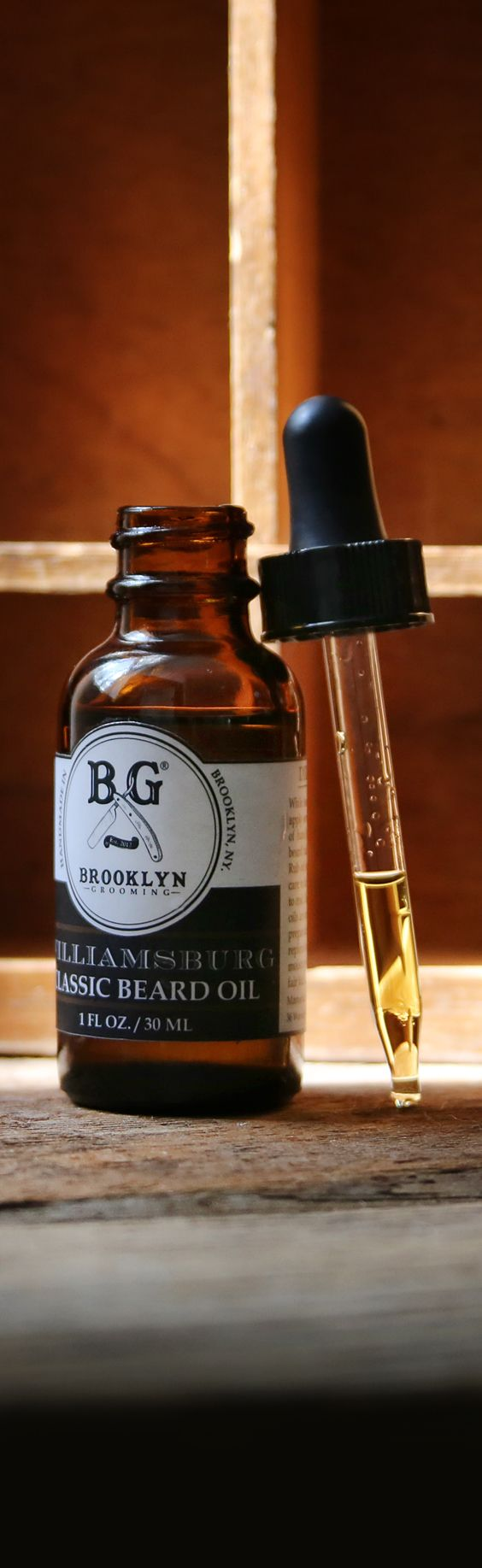 Our classic beard oils are naturally formulated to prevent beardruff by re-introducing moisture to the hidden skin underneath your facial hair. Made with nutritive ingredients including organic hempseed oil, sesame oil, jojoba oil, argan oil, rosemary ext