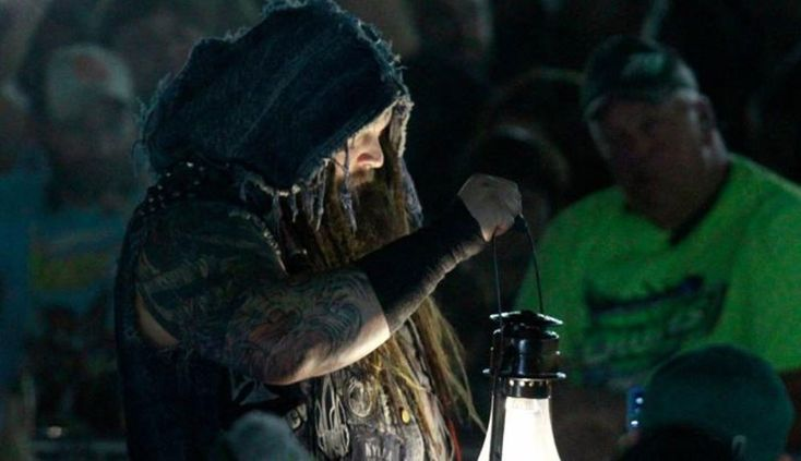 Here's a hilarious Walmart story involving WWE star Bray Wyatt | For The Win  ||  If you shop at Walmart you might just run into Bray Wyatt. http://ftw.usatoday.com/2018/02/wwe-bray-wyatt-walmart-story?utm_campaign=crowdfire&utm_content=crowdfire&utm_medium=social&utm_source=pinterest
