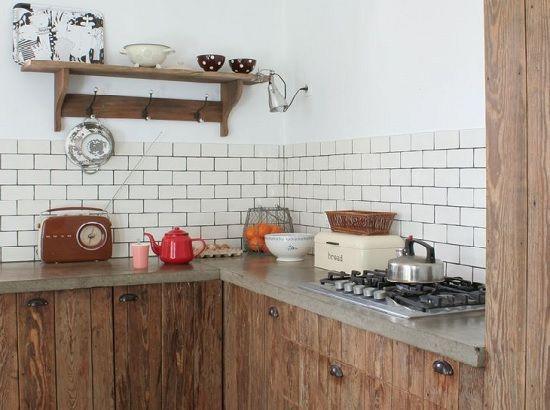 Meer dan 1000 idee n over metrotegels op pinterest tegel keukens en donkere hardhouten vloeren - Rode metro tegel ...