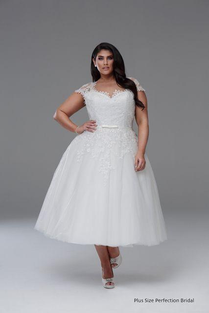 Plus Size Wedding Dresses Melbourne Leah S Designs Bridal Shop Short Wedding Dress Plus Size Wedding Dress Short Tea Length Wedding Dress