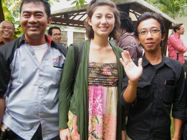 Bareng si cantik Sofie Anggawi, putri dari Duddy Anggawi (Kauman #Pekalongan) & Silke Berth (Jerman)