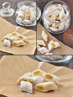 Друзья мои, хочу Вам сразу сказать, что это не печенье, это бомба!!!! Вкуснее печенье я в жизни не ела! Миндальная хрустящая корочка, нежная мягкая фисташковая…