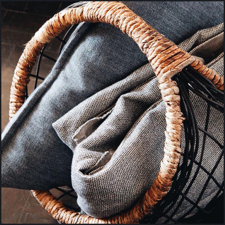 Small & Chic (lescreations.com): panier #linen #chic #monochrome #interior #interiordesign #home #homedesign #homedecor #decor #decoration #homesweethome #textiles #textildesign #fabric