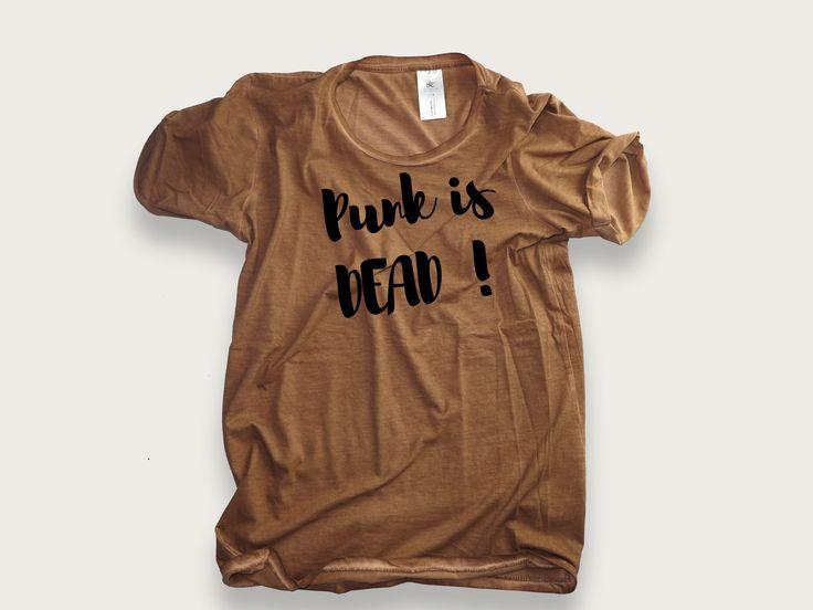 Vous croyez vraiment? http://www.mister-tshirt.com/boutique/hommes/punk-is-dead-2.html #punk #tshirt #music #mode #fashion #blog #design #love #punchline #geek #dicton #fun #street
