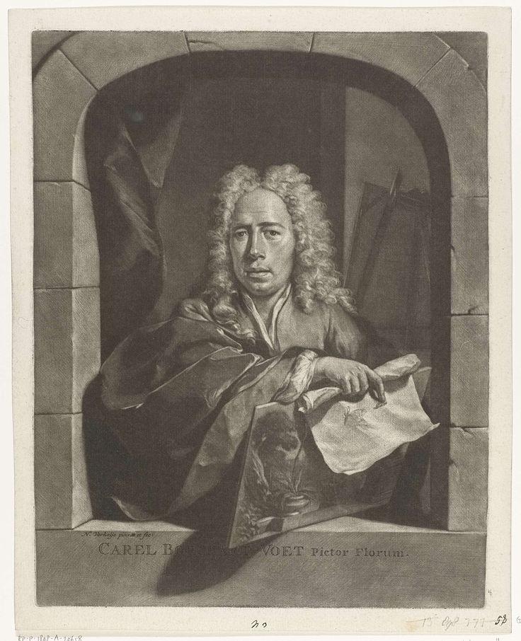Nicolaas Verkolje | Portret van Carel Borchaert Voet, Nicolaas Verkolje, 1700 - 1746 | De stillevenschilder Carel Borchaert Voet staat in een venster. In zijn hand heeft hij een paneel, waarop diverse planten, en een rol papier, waarop twee insecten zijn afgebeeld. Op de achtergrond en schildersezel.