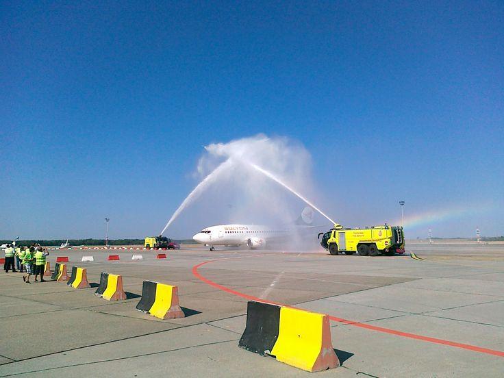 Sólyom Hungarian Airways first Boeing 737