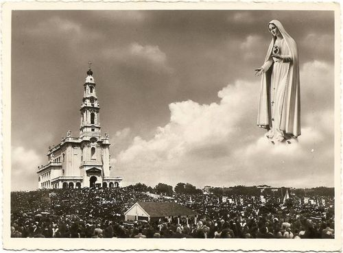 allaboutmary:    The pilgrimage to Fatima.