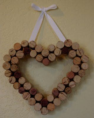 Perfect for V-Day coming up...you'll just need 48 bottles of Noceto Sangiovese!  Good Ideas For You | Wine Corks Crafts visit them! goodideasforyou.com