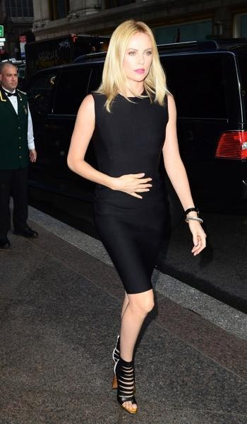Charlize Theron: Charlize Theron, Black Dresses, Louboutin Sandals, Christian Louboutin Shoes, Black Outfit, Corporate Chic, Celebrity Styles, Strappy Christian, Styles Fashion