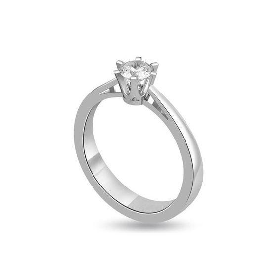 ANELLO DI FIDANZAMENTO SOLITARIO CON DIAMANTE 18CT ORO BIANCO    | Solitario con diamante taglio brillante montato in 6 griffe. L`anello e` disponibile in 18ct oro bianco, 18ct oro giallo e in platino. Il peso dei carati del diamante puo` variare da 0.20ct a 0.60ct ed il colore da F ad I e la purezza da VS1 ad SI1. L`anello e` accompagnato dal certificato del diamante. Perfetto per fidanzamento, matrimonio o anniversario e come regalo nel giorno di San Valentino.