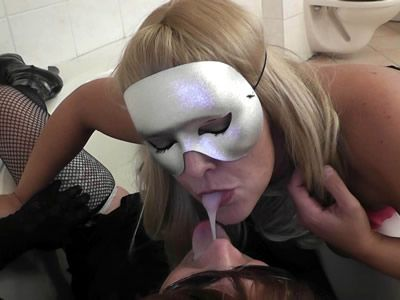 TrannyTarts.com ....Kinky amateur couple plays with guys, crossdressers and t-girls.....HD MOVIES...DOWNLOAD AND STREAM