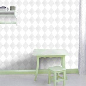 Grijs behang van Karwei met groene plintjes