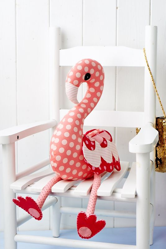 Flossie Flamingo is just adorable, don't you agree? (Sew, issue 64)