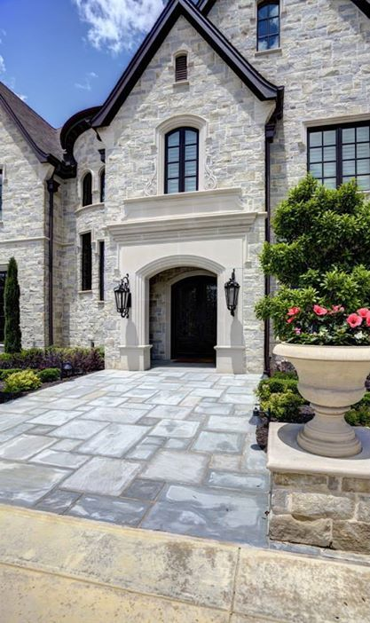 Simmons estate homes stone and exterior colors brandon for Stone and stucco home designs
