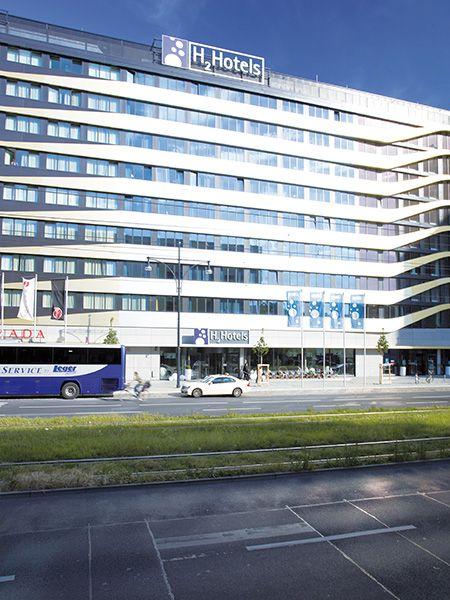 Aussenansicht auf das H2 Hotel am Alexanderplatz am Berlin