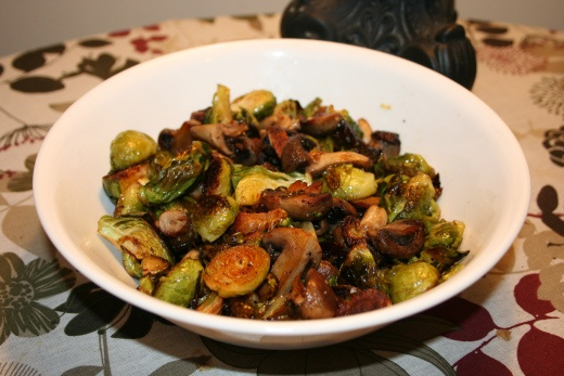 Spicy Roasted Brussel Sprouts with Mushrooms, Garlic, and Shallots ...