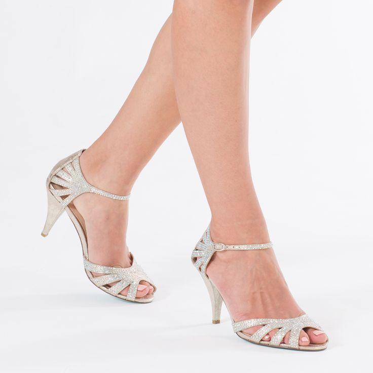 Clarks para mujer, Everlay Tara Slip en zapatos de tac¨?n bajo NAVY 10 M
