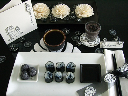 DIY - Décoration de table ambiance japonaise.  http://www.ateliers-de-mireia.com/index.php?2011/01/22/143-decorations-de-table-monochromes