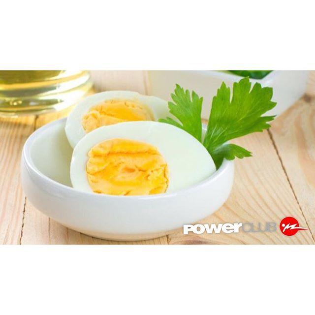TIP @powerclubpanama La proteína de alta calidad de los huevos completos (13% de la cantidad diaria recomendada) ayuda a controlar el apetito. Además la proteína del huevo se absorbe con facilidad por el organismo por lo que es un alimento idóneo para la recuperación muscular después de un entrenamiento fuerte. #CualEsTuExcusa #YoEntrenoEnPowerClub