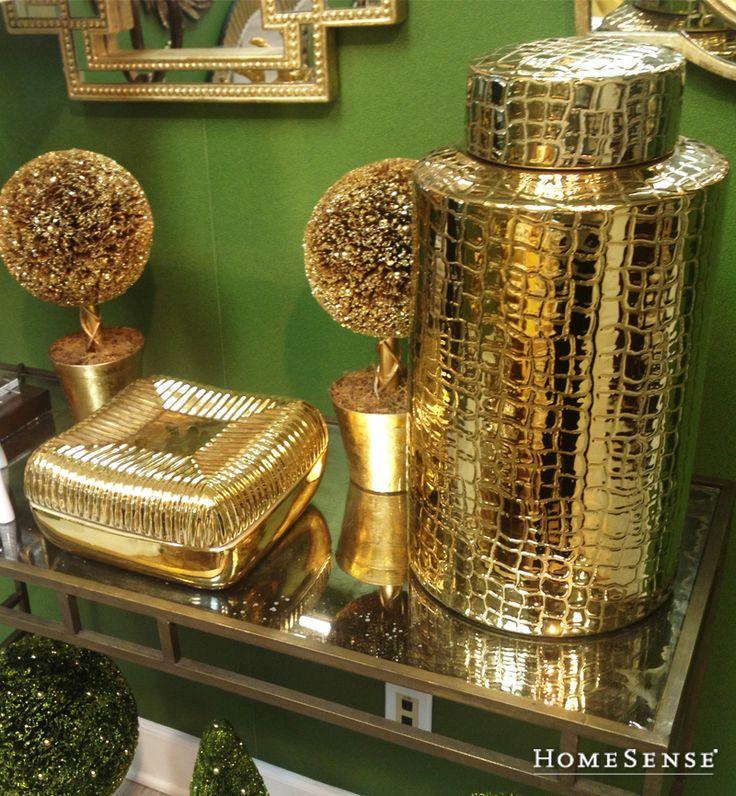 Gold accent décor is just the touch of elegance a home needs for fall. #accent #ideas #pieces #decor  / Les articles décoratifs dorés ajoutent une touche d'élégance indispensable dans toutes les maisons. #decoratif #idees #articles #deco  Enter Contest: http://www.HomeSense.ca/HomeSenseStyle Participer: http://www.HomeSense.ca/HomeSenseStyleFr  #HomeSenseStyle