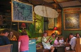 Top 50 Things To Do in Maui-Cafe Des Amis in Pais