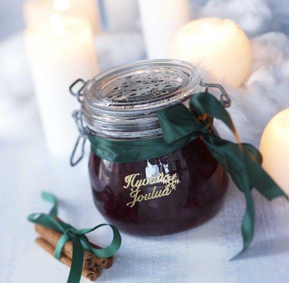 Handmade Holiday. gifts/itsetehdyt joululahjat: Spicy red onion marmelade/Mausteinen punasipulimarmeladi