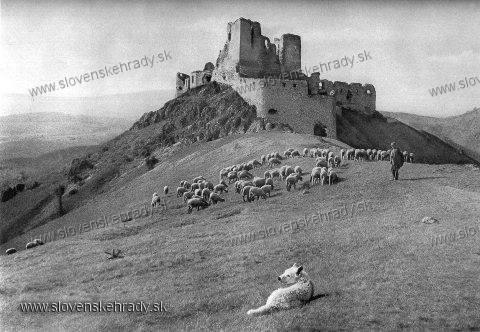 čachtický hrad v minulosti -