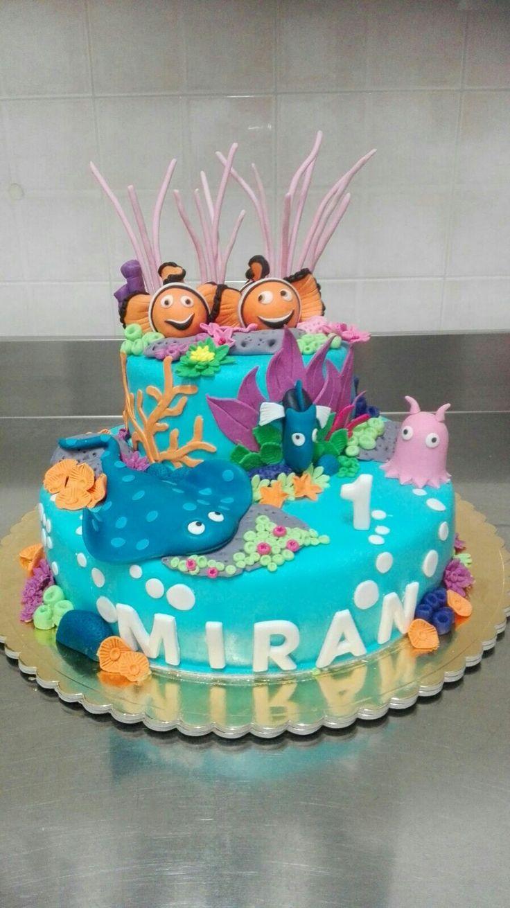 Torta in pasta di zucchero  con personaggi di Nemo.