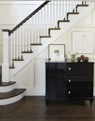 staircase: Idea, Staircases Design, Stairca Design, Color, Traditional Staircases, Black Cabinets, Homes, Photo, Wood Stairs