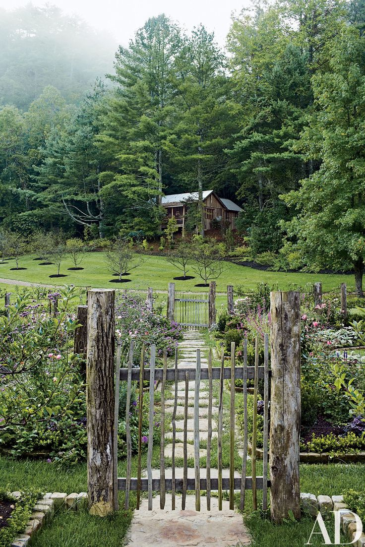 Anderson cooper s brazilian rest house is a vintage and rustic dream - Inside A Picturesque Plantation Home In Tennessee S Great Smoky Mountains
