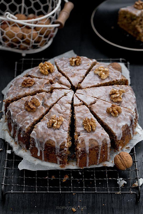 Moje Wypieki | Włoskie ciasto z cukinią i cytrynowym lukrem