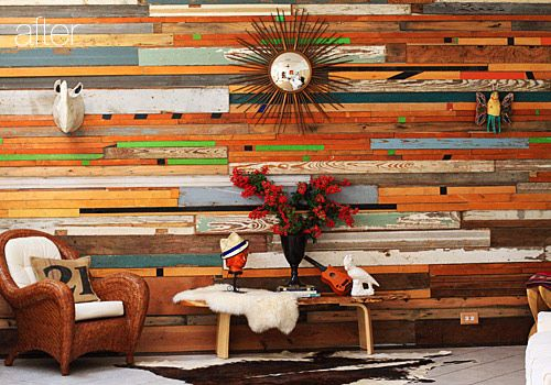 Paredes forradas con listones [] Salvaged wood walls