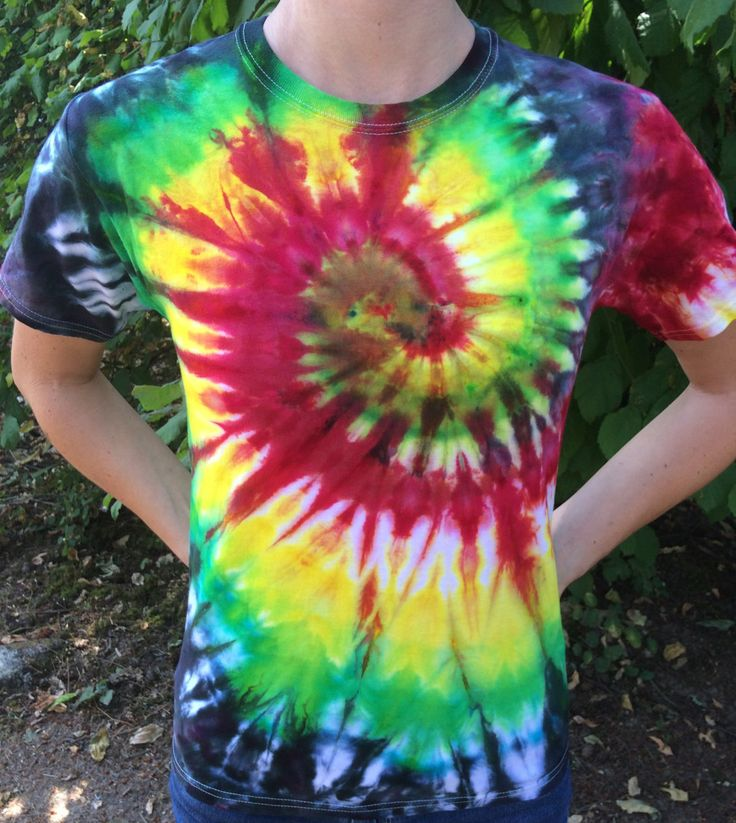 Reggae Concert - Psychedelic Ice Dye Tie-Dye Small Unisex Trippy Hippie Festival T-Shirt by WeAreWater on Etsy