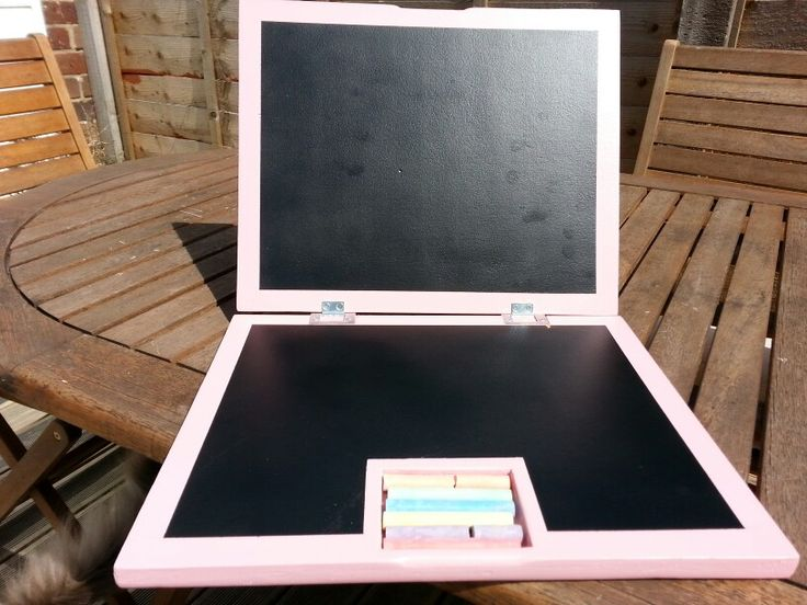 Chalkboard laptop. 18mm plywood base  12mm plywood top. Think mdf would of given a better finish but had the ply kicking around.