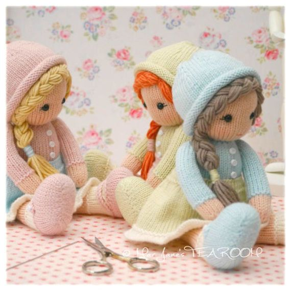 Pattern is written in ENGLISH and can be INSTANTLY downloaded on purchase.  Little Yarn Dolls: Method 2 is worked flat & seamed on 2 knitting