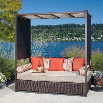 Evie Woven Wicker Daybed Patio Seating Outdoor Daybed